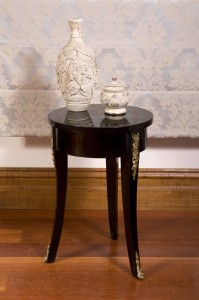 BlkLacquer-SideTable-sm